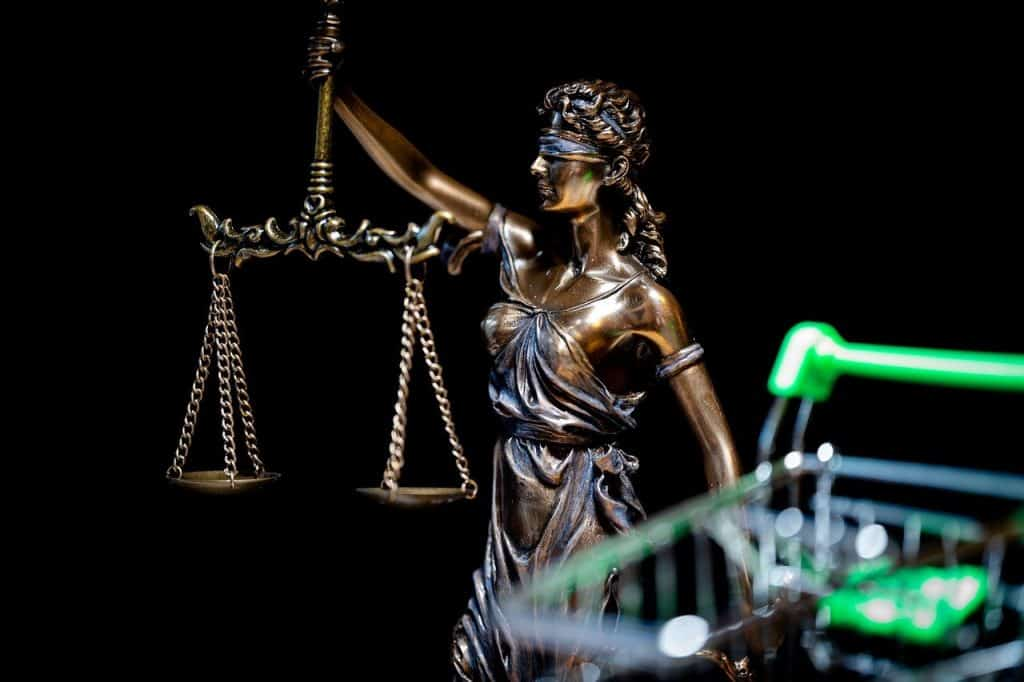 What To Know When Hiring a Lawyer